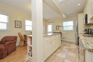 Photo 7: 1 1376 Pandora Ave in VICTORIA: Vi Fernwood Condo for sale (Victoria)  : MLS®# 730224