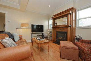 Photo 2: 1 1376 Pandora Ave in VICTORIA: Vi Fernwood Condo for sale (Victoria)  : MLS®# 730224