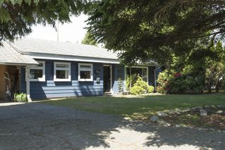 "Photo 1: 1315 FERNWOOD Crescent in North Vancouver: Norgate House for sale in ""Norgate"" : MLS®# R2066595"