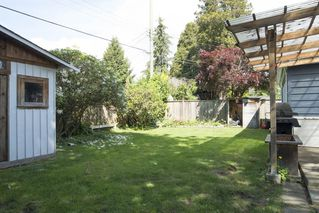 "Photo 12: 1315 FERNWOOD Crescent in North Vancouver: Norgate House for sale in ""Norgate"" : MLS®# R2066595"