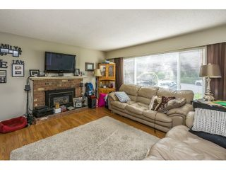 """Photo 2: 34564 HURST Crescent in Abbotsford: Abbotsford East House for sale in """"Robert Bateman"""" : MLS®# R2075159"""