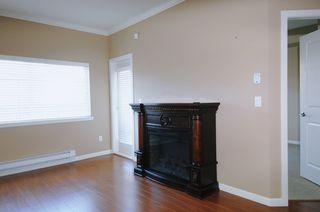 "Photo 4: 104 22363 SELKIRK Avenue in Maple Ridge: West Central Condo for sale in ""CENTRO"" : MLS®# R2077438"