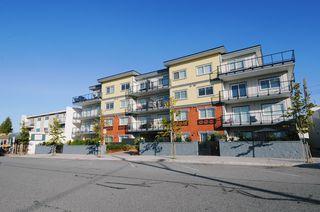 "Photo 2: 104 22363 SELKIRK Avenue in Maple Ridge: West Central Condo for sale in ""CENTRO"" : MLS®# R2077438"