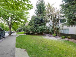 "Photo 1: 204 830 E 7TH Avenue in Vancouver: Mount Pleasant VE Condo for sale in ""FAIRFAX"" (Vancouver East)  : MLS®# R2083827"