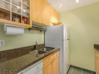 "Photo 12: 204 830 E 7TH Avenue in Vancouver: Mount Pleasant VE Condo for sale in ""FAIRFAX"" (Vancouver East)  : MLS®# R2083827"