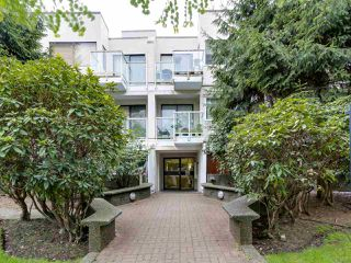 "Photo 3: 204 830 E 7TH Avenue in Vancouver: Mount Pleasant VE Condo for sale in ""FAIRFAX"" (Vancouver East)  : MLS®# R2083827"