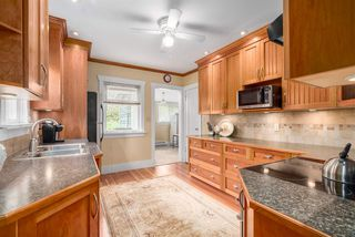 """Photo 3: 2366 GRANT Street in Vancouver: Grandview VE House for sale in """"GRANDVIEW/COMMERCIAL DRIVE"""" (Vancouver East)  : MLS®# R2089719"""