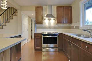 Photo 7: 83 Armstrong Crescent SE in Calgary: House for sale : MLS®# C3622395
