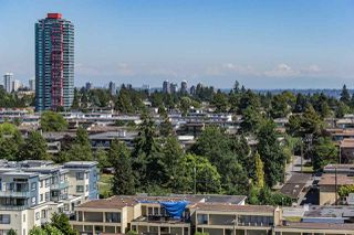 "Photo 6: 1405 4165 MAYWOOD Street in Burnaby: Metrotown Condo for sale in ""Place on the Park"" (Burnaby South)  : MLS®# R2116155"