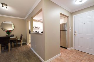 "Photo 7: 105 855 W 16TH Street in North Vancouver: Hamilton Condo for sale in ""GABLES WEST"" : MLS®# R2126762"