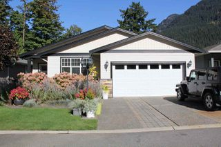 Photo 2: 4 21293 LAKEVIEW Crescent in Hope: Hope Kawkawa Lake House for sale : MLS®# R2148457
