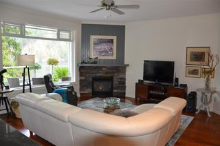Photo 6: 4 21293 LAKEVIEW Crescent in Hope: Hope Kawkawa Lake House for sale : MLS®# R2148457