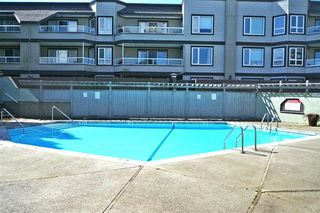 Photo 20: 2 1850 E SOUTHMERE Crescent in Surrey: Sunnyside Park Surrey Condo for sale (South Surrey White Rock)  : MLS®# R2154347