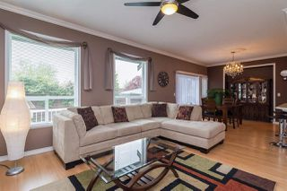 Photo 3: 6192 195 Street in Surrey: Cloverdale BC House for sale (Cloverdale)  : MLS®# R2166862