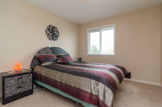 Photo 11: 6192 195 Street in Surrey: Cloverdale BC House for sale (Cloverdale)  : MLS®# R2166862