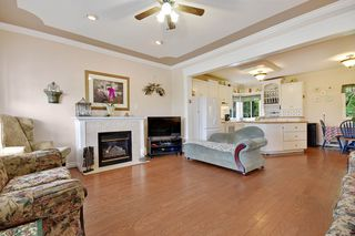 "Photo 2: 35679 TIMBERLANE Drive in Abbotsford: Abbotsford East House for sale in ""Mountain Village"" : MLS®# R2166696"