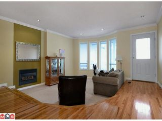 Photo 2: 19694 46TH Ave in Langley: Home for sale : MLS®# F1227030