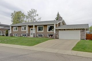Photo 1: 332 WILLOW RIDGE Place SE in Calgary: Willow Park House for sale : MLS®# C4122684