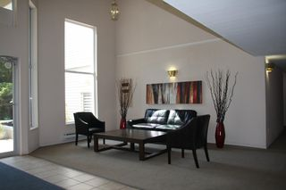 Photo 4: 113 2750 Fairlane Street in : Central Abbotsford Condo for sale (Abbotsford)  : MLS®# R2201040