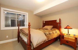 Photo 14: 17388 4 AVENUE in South Surrey White Rock: Home for sale : MLS®# R2003512