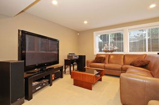 Photo 17: 17388 4 AVENUE in South Surrey White Rock: Home for sale : MLS®# R2003512