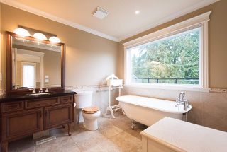 Photo 10: 2391 PANORAMA Drive in North Vancouver: Deep Cove House for sale : MLS®# R2215081