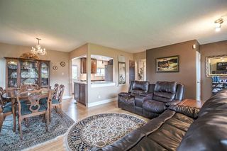 Photo 3: 4676 CHARLOTTE COURT in Burnaby: Forest Glen BS House for sale (Burnaby South)  : MLS®# R2177175