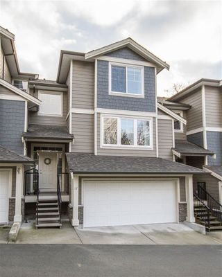 Photo 1: 17 11384 BURNETT STREET in Maple Ridge: East Central Townhouse for sale : MLS®# R2135118