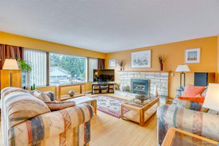 Photo 3: 979 JARVIS Street in Coquitlam: Harbour Chines House for sale : MLS®# R2241335