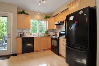 Photo 2: 19 12738 66 Ave in Surrey: Home for sale : MLS®# F1319100