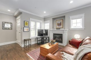 Photo 3: 2315 BALSAM Street in Vancouver: Kitsilano Townhouse for sale (Vancouver West)  : MLS®# R2255834