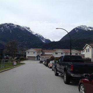 Photo 2: 1808 WILLOW Crescent in Squamish: Garibaldi Estates House for sale : MLS®# R2258398