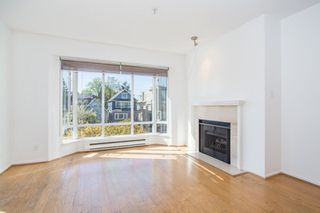"Photo 3: 302 2195 W 5TH Avenue in Vancouver: Kitsilano Condo for sale in ""The Heartstone"" (Vancouver West)  : MLS®# R2259662"