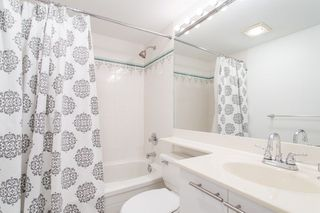 "Photo 11: 302 2195 W 5TH Avenue in Vancouver: Kitsilano Condo for sale in ""The Heartstone"" (Vancouver West)  : MLS®# R2259662"