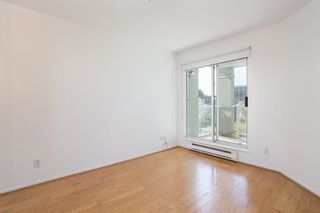 "Photo 9: 302 2195 W 5TH Avenue in Vancouver: Kitsilano Condo for sale in ""The Heartstone"" (Vancouver West)  : MLS®# R2259662"