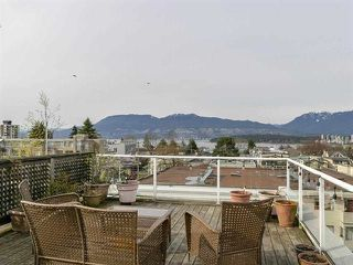 "Photo 14: 302 2195 W 5TH Avenue in Vancouver: Kitsilano Condo for sale in ""The Heartstone"" (Vancouver West)  : MLS®# R2259662"