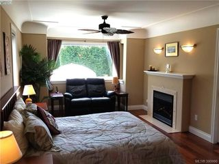 Photo 12: 2063 Kings Road in VICTORIA: OB Henderson Single Family Detached for sale (Oak Bay)  : MLS®# 390666