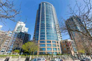 "Photo 3: 2205 388 DRAKE Street in Vancouver: Yaletown Condo for sale in ""GOVERNOR'S TOWNER"" (Vancouver West)  : MLS®# R2276947"