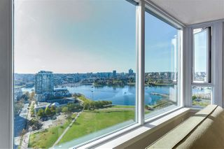 "Photo 4: 2205 388 DRAKE Street in Vancouver: Yaletown Condo for sale in ""GOVERNOR'S TOWNER"" (Vancouver West)  : MLS®# R2276947"