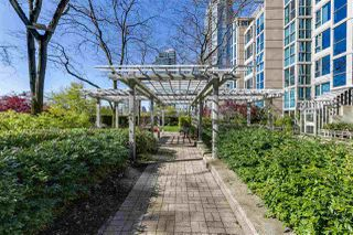 "Photo 20: 2205 388 DRAKE Street in Vancouver: Yaletown Condo for sale in ""GOVERNOR'S TOWNER"" (Vancouver West)  : MLS®# R2276947"