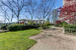 "Photo 19: 2205 388 DRAKE Street in Vancouver: Yaletown Condo for sale in ""GOVERNOR'S TOWNER"" (Vancouver West)  : MLS®# R2276947"
