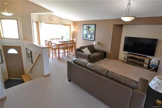 Photo 7: 3 Montvale Crescent in Winnipeg: Royalwood Residential for sale (2J)  : MLS®# 1815274