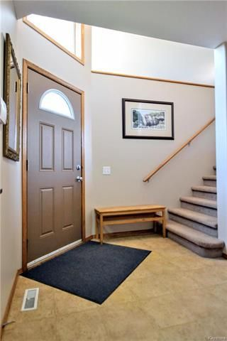 Photo 16: 3 Montvale Crescent in Winnipeg: Royalwood Residential for sale (2J)  : MLS®# 1815274