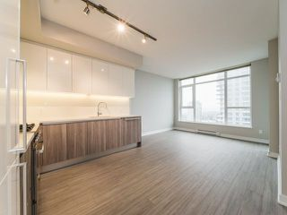 Photo 3: 2507 4900 LENNOX Lane in Burnaby: Metrotown Condo for sale (Burnaby South)  : MLS®# R2278140