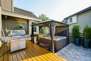 """Photo 14: 8034 150 Street in Surrey: Bear Creek Green Timbers House for sale in """"Mourningside Estates"""" : MLS®# R2293254"""