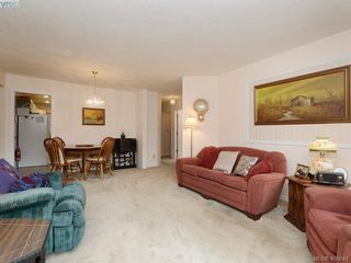 Photo 3: C 3972 Cedar Hill Cross Road in VICTORIA: SE Maplewood Townhouse for sale (Saanich East)  : MLS®# 400041