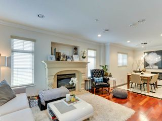 Photo 4: 1252 E 11TH Avenue in Vancouver: Mount Pleasant VE 1/2 Duplex for sale (Vancouver East)  : MLS®# R2317312