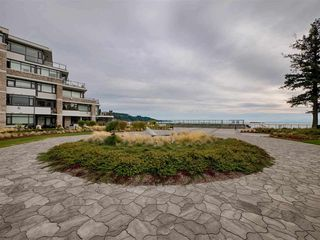 "Photo 18: 208 5665 TEREDO Street in Sechelt: Sechelt District Condo for sale in ""WATERMARK at Sechelt"" (Sunshine Coast)  : MLS®# R2345982"