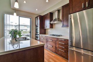 "Photo 9: 67 2603 162 Street in Surrey: Grandview Surrey Townhouse for sale in ""Vinterra"" (South Surrey White Rock)  : MLS®# R2348771"