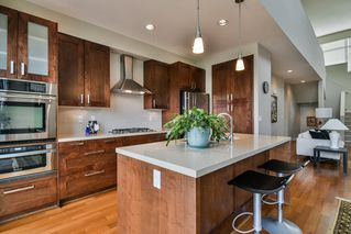 "Photo 8: 67 2603 162 Street in Surrey: Grandview Surrey Townhouse for sale in ""Vinterra"" (South Surrey White Rock)  : MLS®# R2348771"
